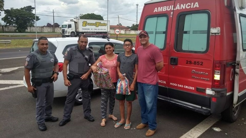 PMs salvam vida de jovem em ambulância quebrada