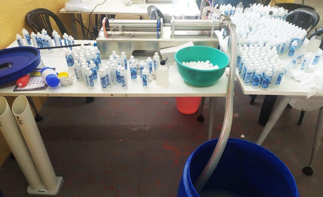 Fábrica clandestina de álcool gel